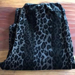 Pants - Velvet leopard Leggings